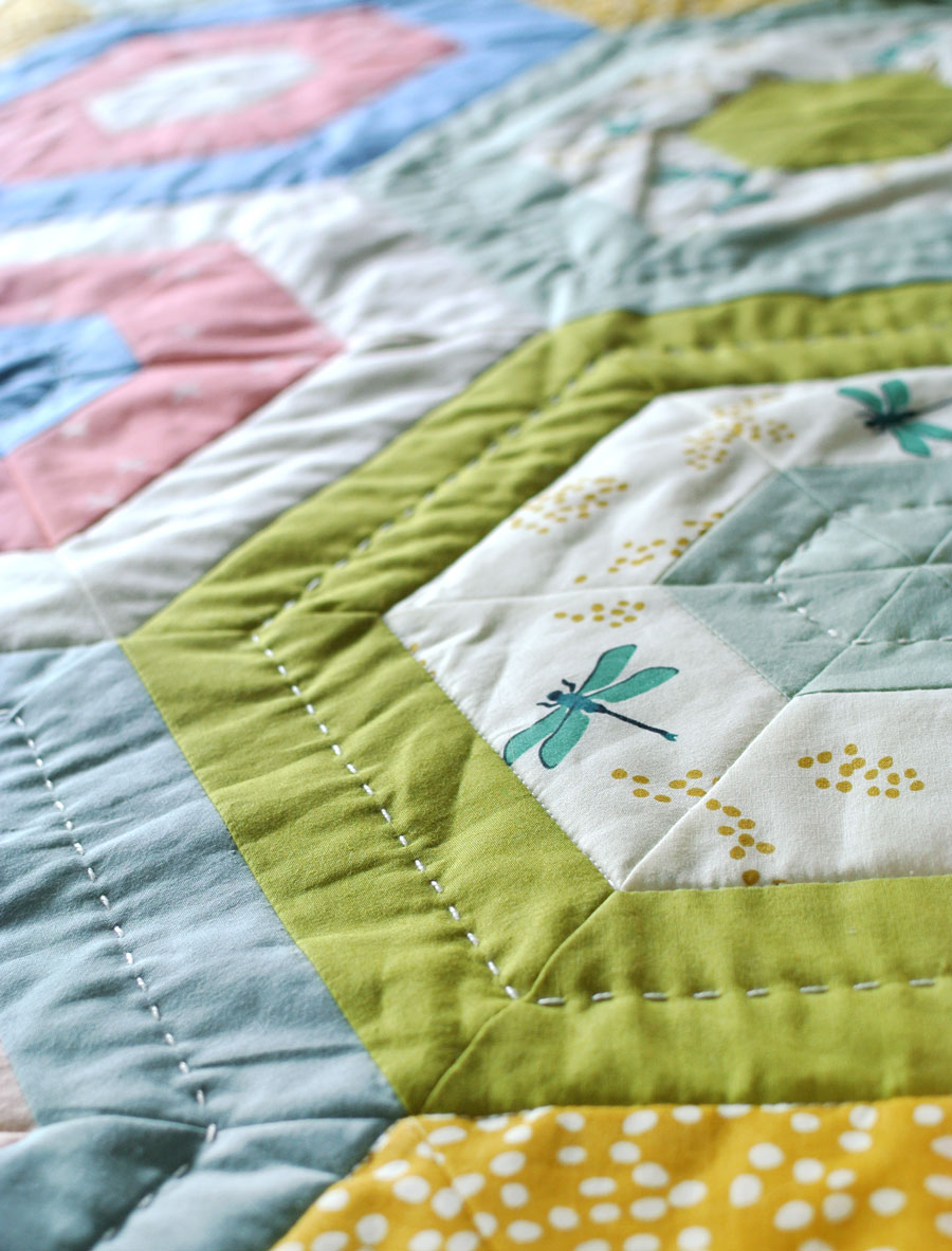 hand-quilting-hexie-quilt