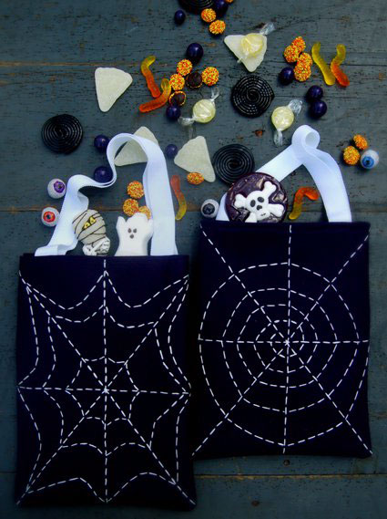10 Creepy and Fun Halloween Sewing DIYs Suzy Quilts | Suzy Quilts https://suzyquilts.com/10-halloween-sewing-diys