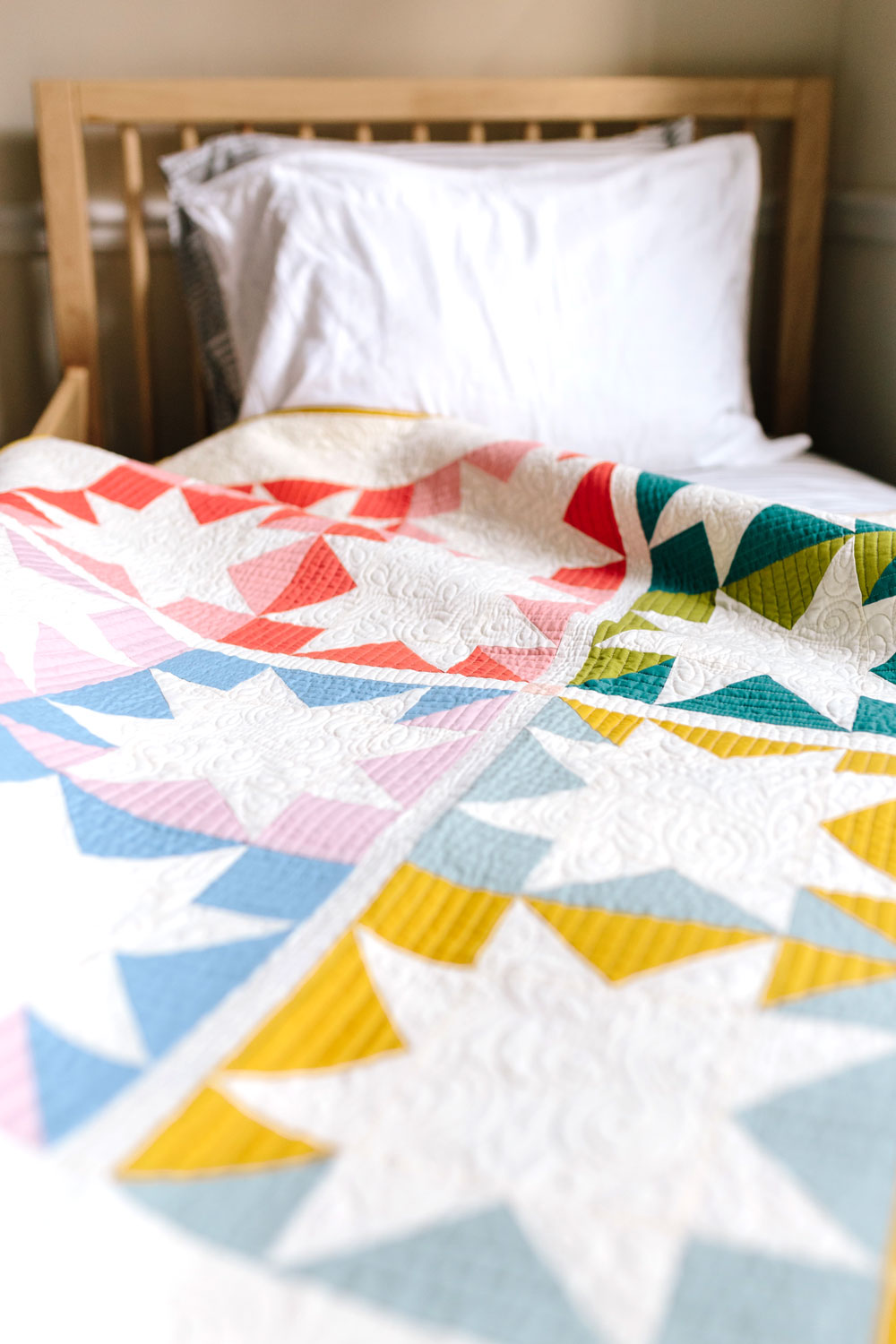 Stars-Hollow-baby-quilt