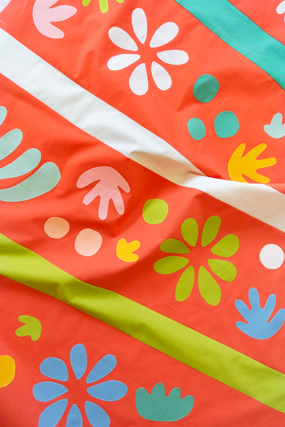 Raw-edge applique tutorial with the Bohemian Garden quilt pattern