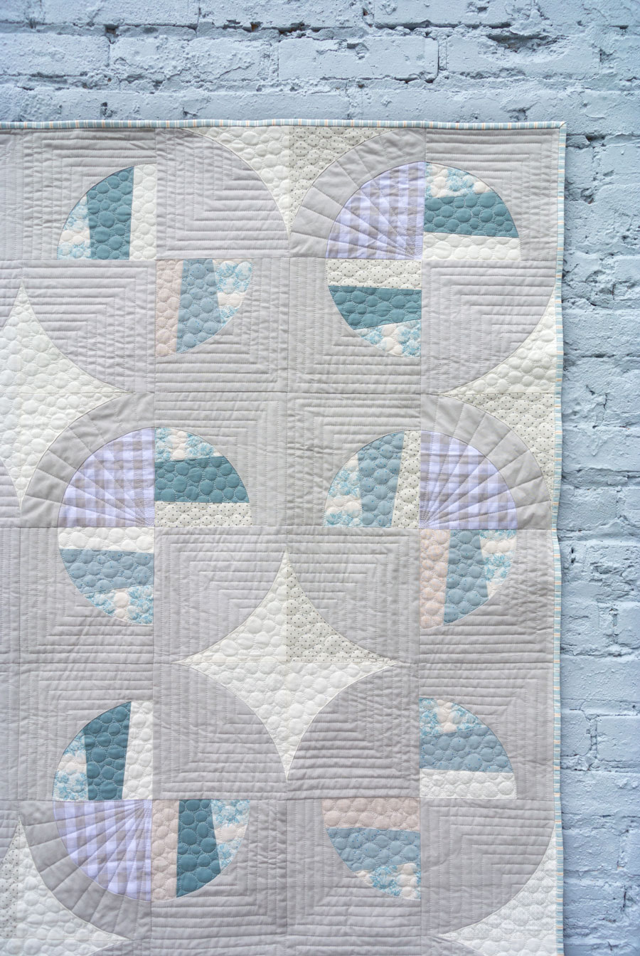 Modern Fans is a bold, modern quilt pattern that includes king, queen, twin, throw and baby quilt sizes as well as a video tutorial!