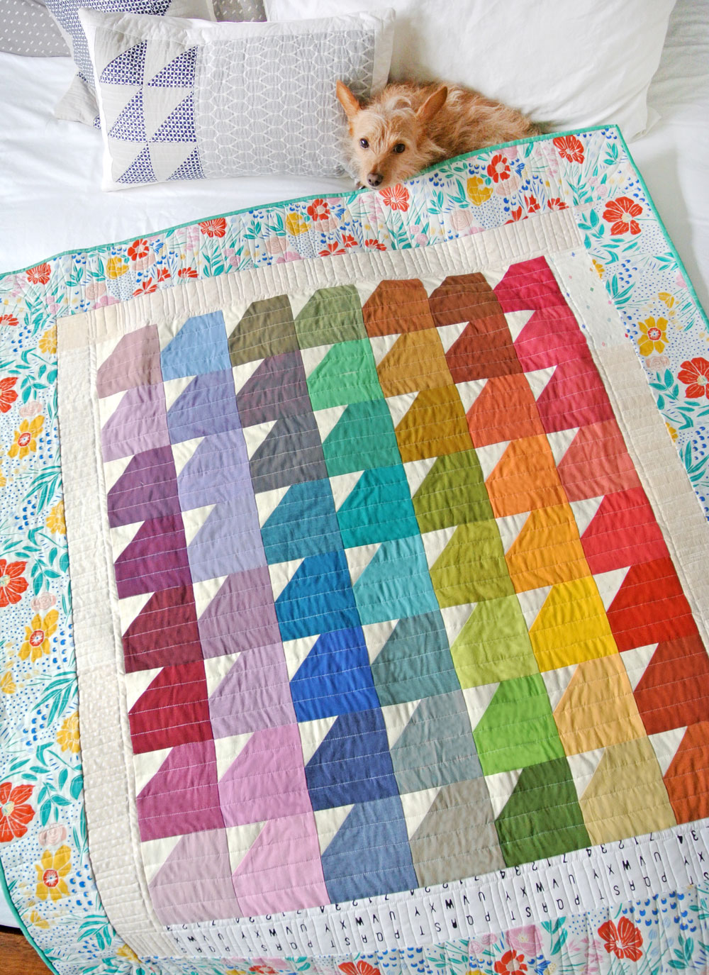 Step by step how to care for a new quilt. Are you giving a quilt away? Easy instructions and a printable card on how to wash and care for a vintage quilt and also how to wash a baby quilt.