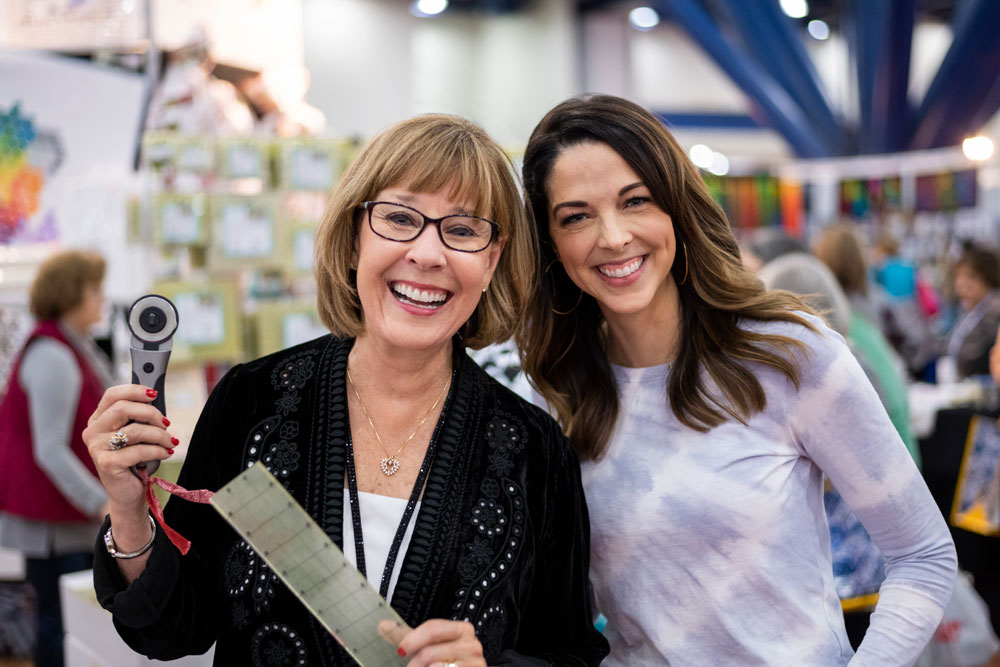 Get the inside scoop on the Houston Quilt Festival through interviews with leaders, crafters and teachers in our quilting community. In this episode I chat with Alex Anderson | suzyquilts.com