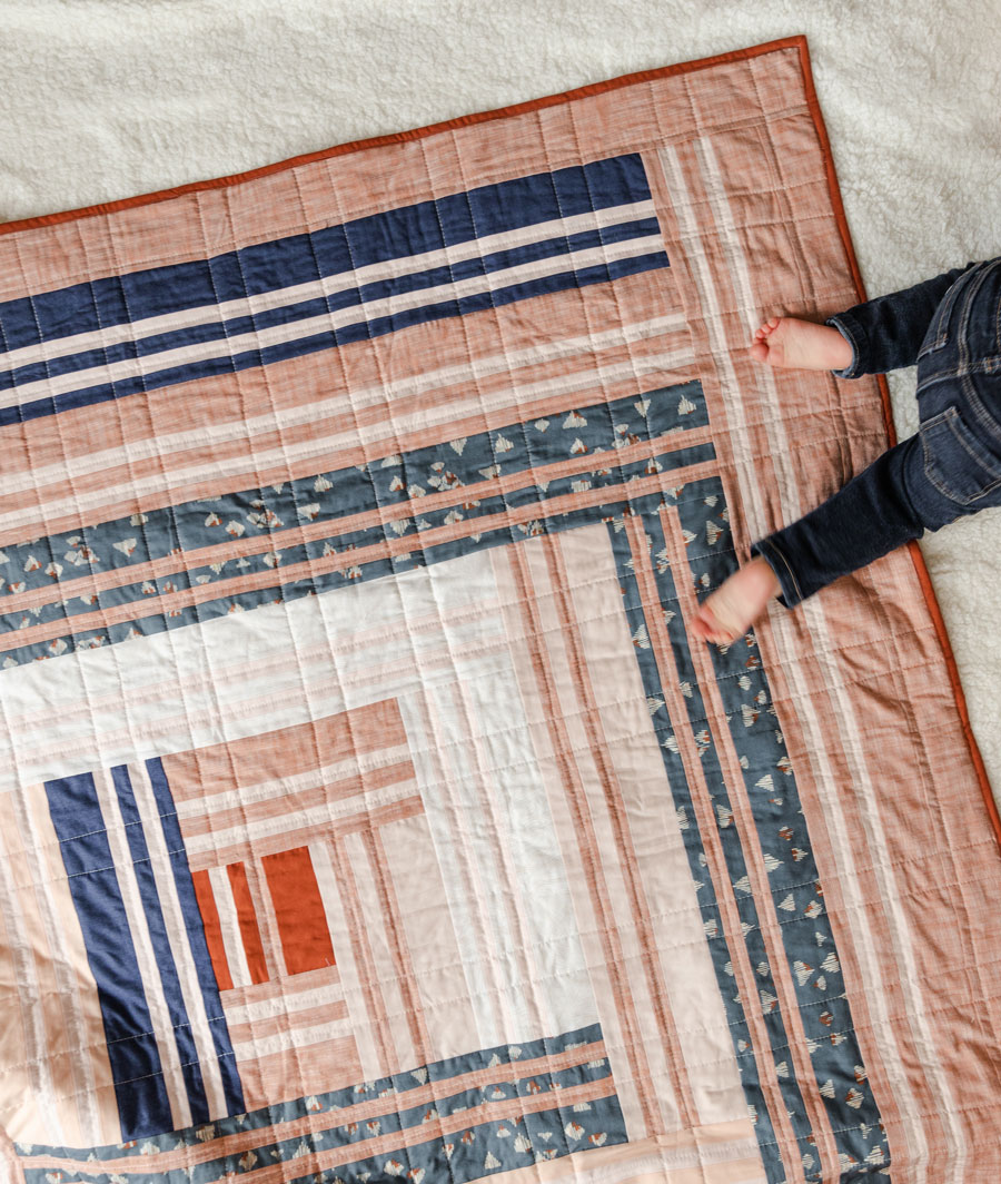 The Grow quilt pattern includes king, queen, twin, throw and baby quilt sizes. suzyquilts.com #modernquilt