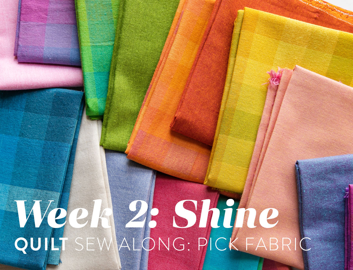 The Shine quilt sew along includes lots of added tips and videos to help you make this modern quilt pattern. This fat quarter quilt pattern is beginner friendly and focuses on improv sewing. suzyquilts.com #modernquilt #quilting