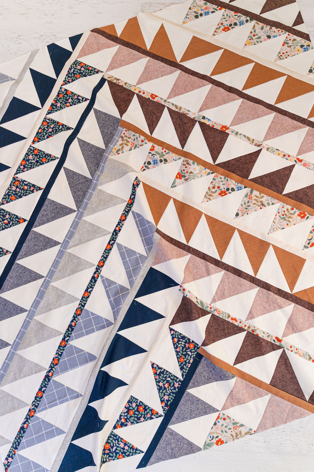 The Gather quilt sew along is an online quilting community experience! We will make this modern quilt pattern together – one week at a time. suzyquilts.com #quiltalong #modernquilting