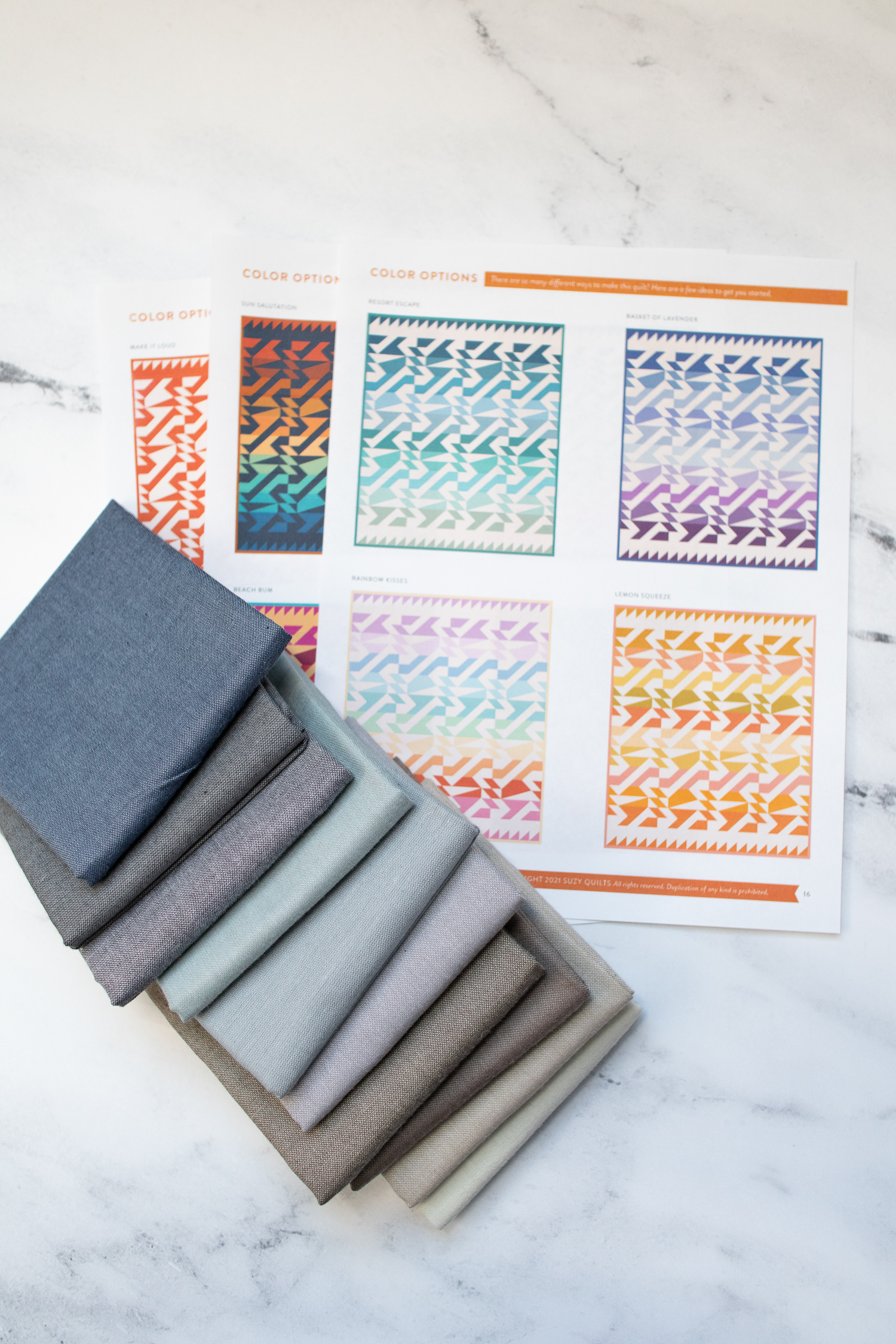 Read tips for how to read a quilt pattern from start to finish, and gain the confidence to understand all the steps and make your own quilt! Seven step that are helpful to beginner quilters and experienced quilters, with links to resources that will help you quilt like a pro in no time. suzyquilts.com #quilting #sewingdiy